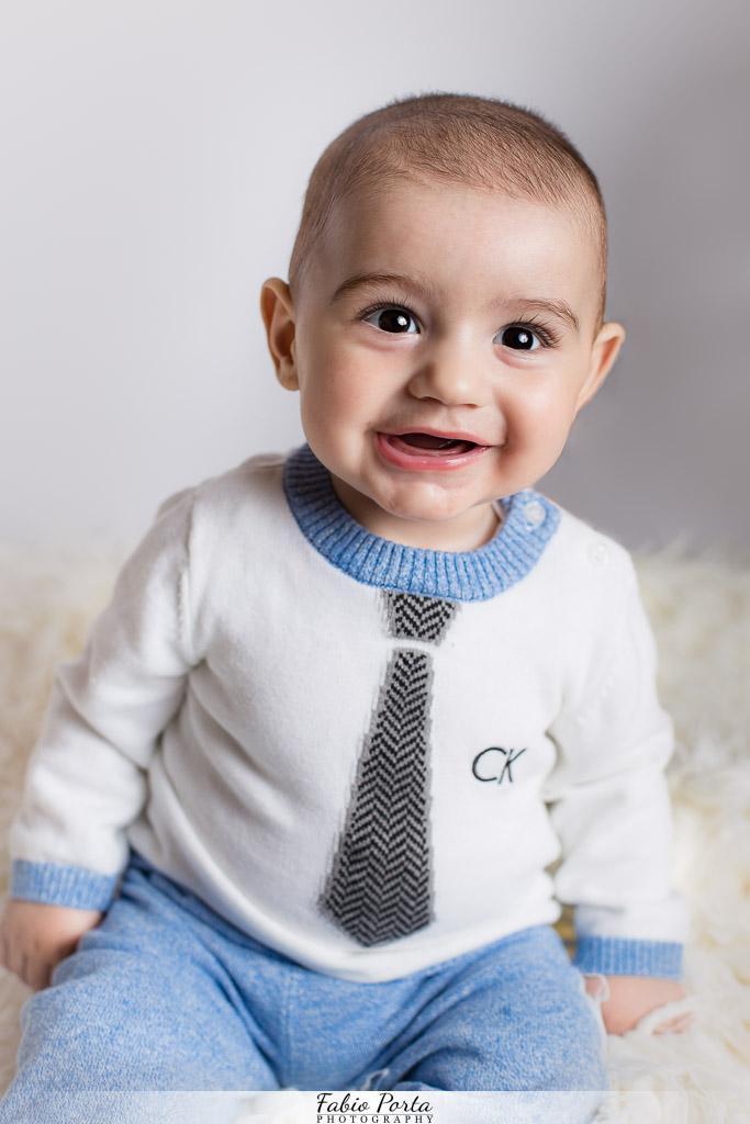 Bimbo seduto Servizio Bebè Fotografo bambini neonati Modena, Reggio Emilia, Parma, Bologna
